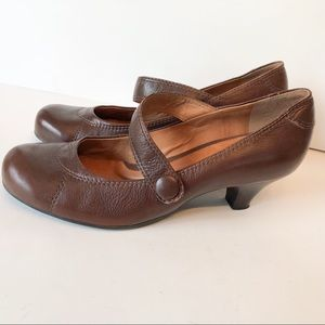 Nurture Mary Jane Shoes Brown Size 8 Lower Heel